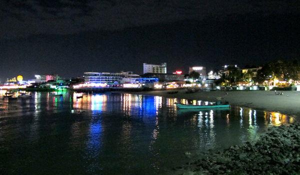 Pattayan rannan eteläinen loppuosa.