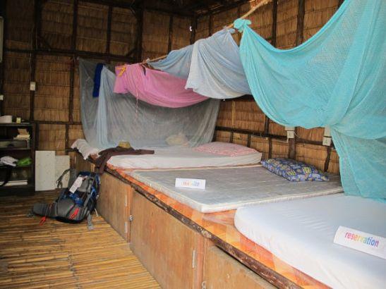 Phimanissa olisi myös tällaisia dormisänkyjä.