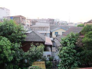 Näkymä Rambutri Villagen hotellihuoneestani.