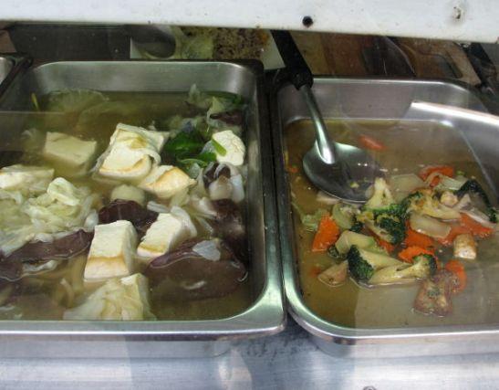 Thanon Tanaon ravintolan ruokia.