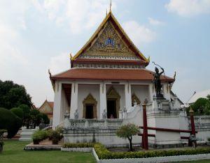 Temppeli museoalueella.