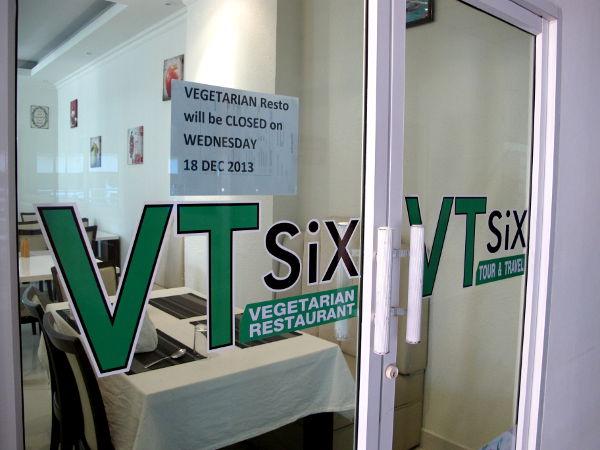 VT Six -ravintola sijaitsee 2nd Roadilla Central Festival Mallin eteläpuolella View Talay Condo -rakennuksen ensimmäisessä kerroksessa.
