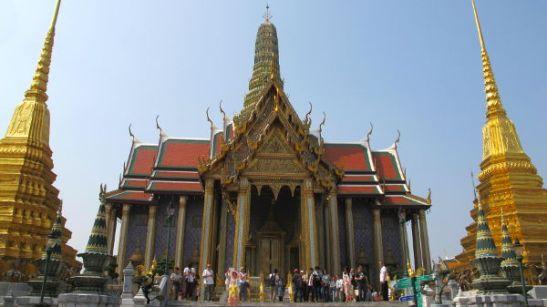 Wat phra kaeo, jonka sisällä on pieni smaragdibuddha.