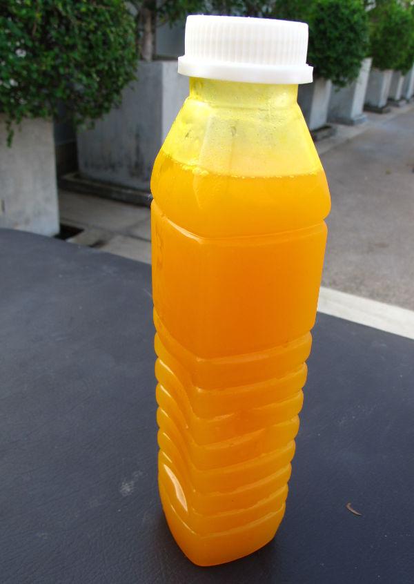 Thaimaasta saa maailman parasta mandariinimehua. Sitä sanotaan appelsiinimehuksi, mutta se on tehty pienemmistä tangeriineista, mandariineista tai mistä lie.