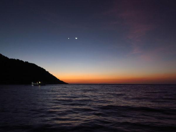 Auringonlasku Koh Tachailla.