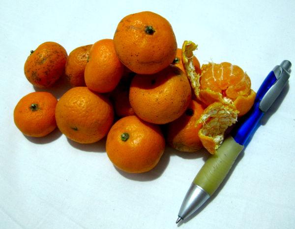 Ihan pienet mandariinit ovat makeita.