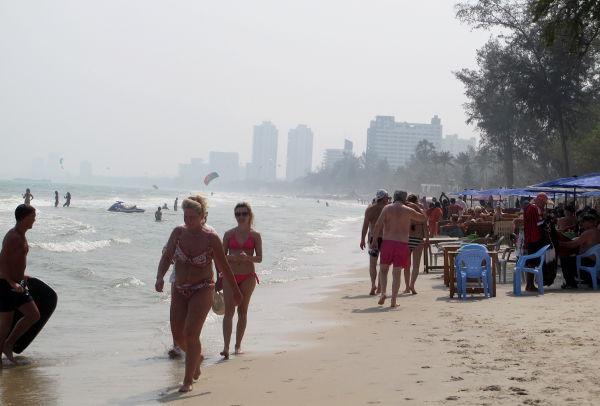 Hua Hinin keskustan alueella olevaa rantaa.