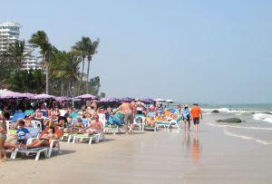 Jos minulla olisi vain kaksi viikkoa lomaa ja haluaisin rantakohteeseen, en haluaisi viettää sitä tällaisella rannalla.