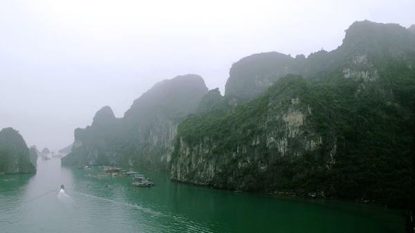 Näkymää Hang Hung Sot -luolan suulta.