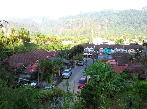 Phang Ngan kylää.