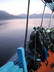 sukellusvarusteet aamuhämyssä