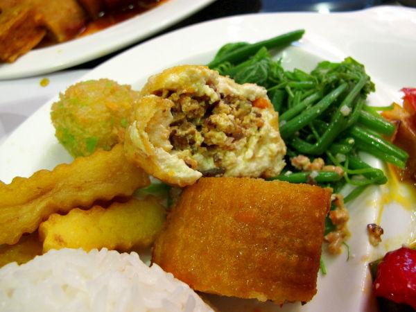 Thien Phatin täytetty tofu.