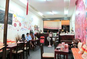 Beetroot Storiesin moderni pieni ravintola.