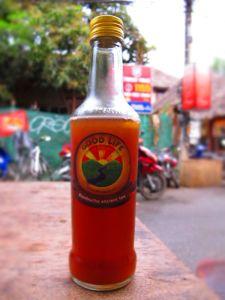 Kombucha-juoma on herkkua. Tässä Good Lifen euron hintainen pullo.