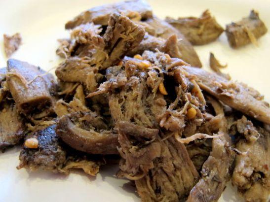 Kasvisravintolan sieniä, joissa on luonnostaan lihamaisen syinen koostumus.