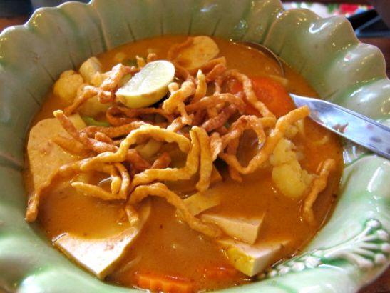 Chiang Main alueen perinneruoka Khao Soi.