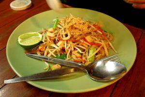 Maistuisiko aamiaiseksi pat thai -nuudelit?