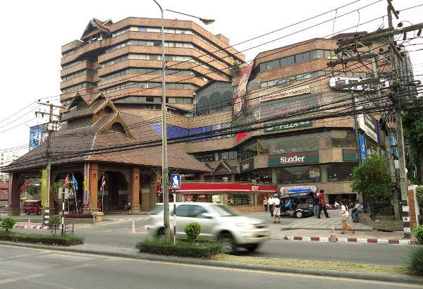 Chiang Main uudella puolella vanhan kaupungin ulkopuolella voi olla näinkin rumaa.