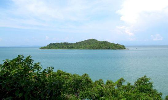 Saari Koh Lantan itäpuolella.