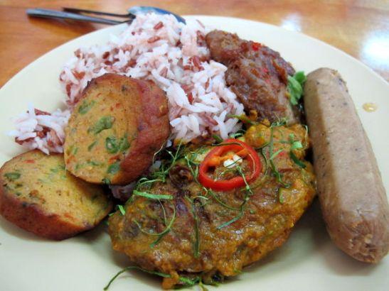 Soijalihoja Hong Ming -kasvisravintolassa Krabissa.