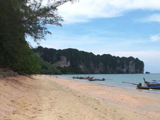 Ao Nangin rannan etelä- tai itäpää.