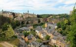 Grund on piparkakkukylä luxemburgilaisittain kaupungin rotkossa.