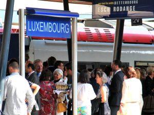 Mielestäni sopi hyvin Luxemburgin henkeen, että laiturilla oli skumppatarjoilu jollekin porukalle.