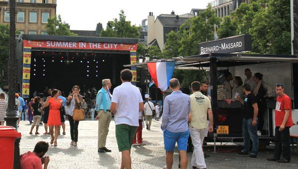Ensimmäinen vierailupäivä Luxemburgissa oli sattumalta maan itsenäisyyspäivä. Myöhäisenä iltapäivänä se näkynyt paljoakaan, mutta tällainen tapahtumatori oli.