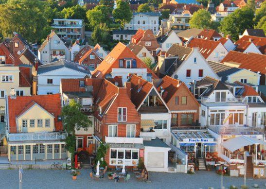 Vanhojen hansakaupunkien tyylisiä taloja.