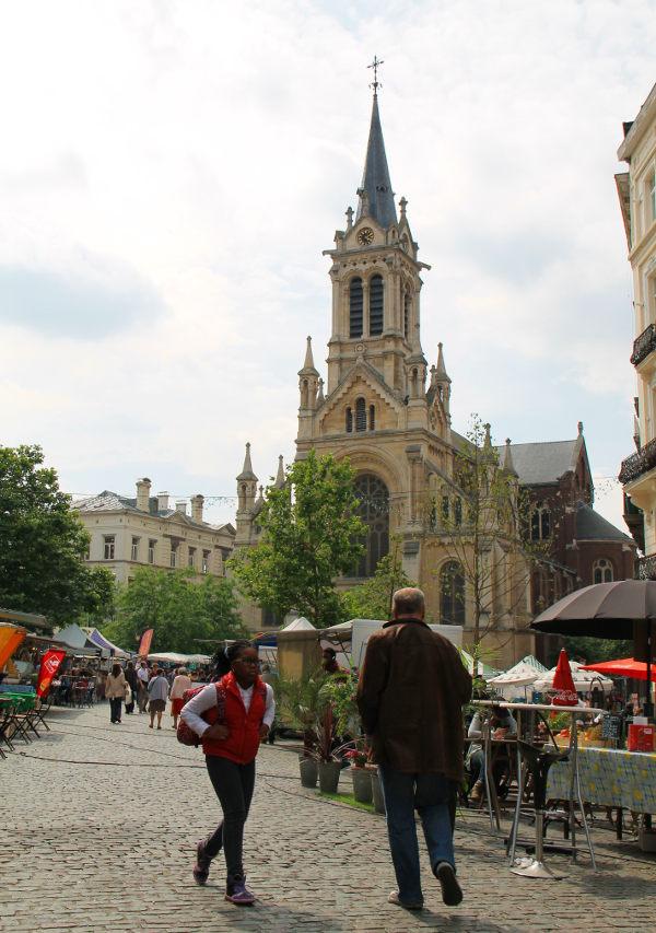 Parvis de Saint-Gillesin kirkko.