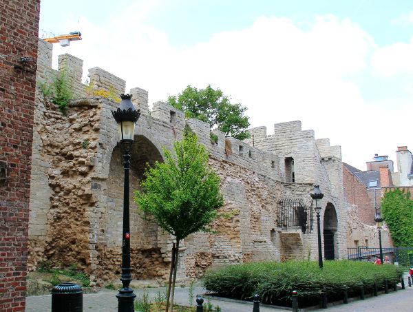 brysselin vanhaa muuria