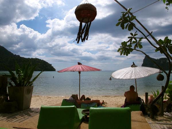 Chill out barin rantaa Tonsain pohjoisen puolen eli Dalamin rannalla.