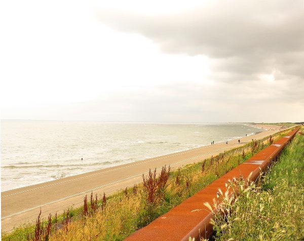 Hollannin rannikkoa.