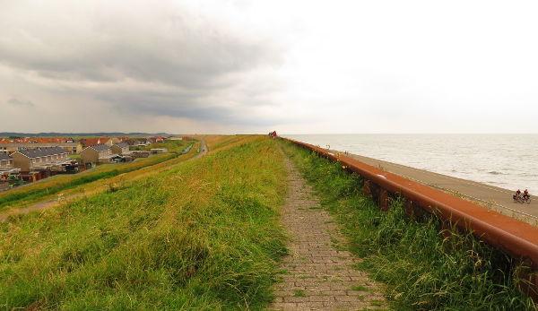 Hollannin rannikolla on oltava korkeat vallit.