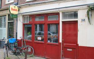 Vliegende Schotelin seinää, mutta elokuussa 2014 ravintola muuttaa.
