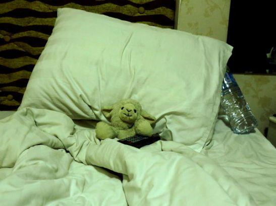 Abashei jäi huoneeseen Hanoissa.