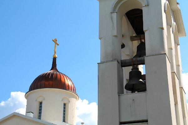 kirkkosipuli ja kellot