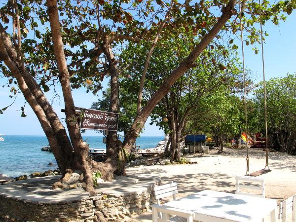 Nimmanoradee Resort on yksinäinen hieno majapaikka idän eteläisimmällä rannalla.