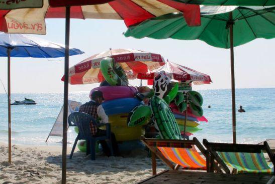 Muilla rannoilla ei ollut tällaista meininkiä kuin Had Sai Kaewilla.