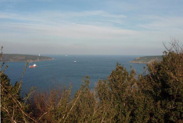 Bosporinsalmea. Mustameri ei ole tässä kaukana.
