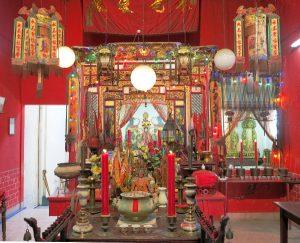 Alttari Phuket Townissa kiinalaisen yhteisön museossa tai kerhotalossa.