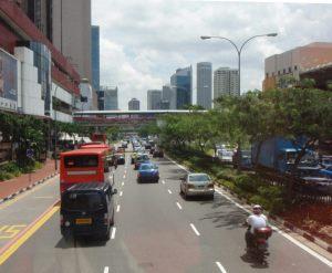 Etusivulta bongasin heti pari juttua Singaporesta, jotka pitää käydä lukemassa. Kun etusivulta löytyy useiden bloggaajien juttuja, pitäisi joukosta helposti löytää juuri itseään sillä hetkellä kiinnostavat maat ja aiheet.
