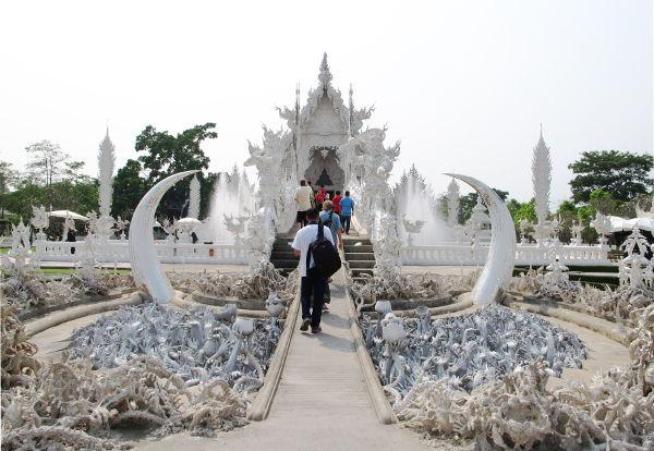 valkoinen temppeli