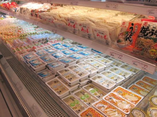 Erilaisia tofuja Bangkokin Siam Paragon -ostoskeskuksessa.