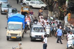 Intialaista liikennettä.