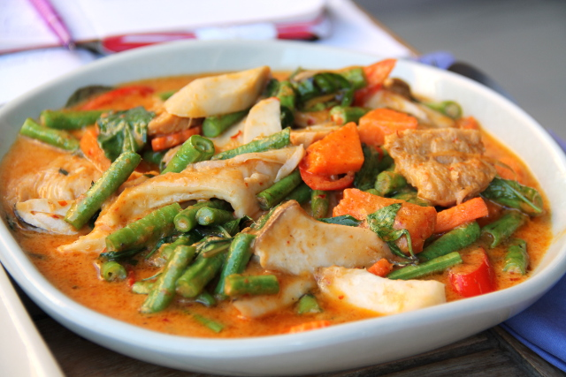 Oikein herkullinen curry sienillä ja soijapaloilla.