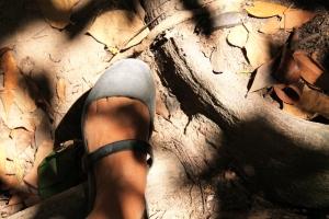 Tämmöiset reissut voi kävellä ihan hyvin tällaisissa muovisissa sandaaleissa. Miehelläni oli flip flopit.