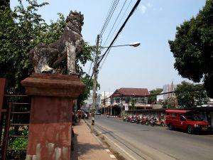 Chiang Main vanhassa kaupungissa kadut ovat yleensä rauhallisia. Sinne en ole kylläkään vielä itse ajellut.