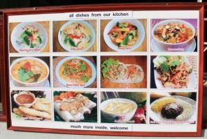 Kuvia kasvisravintolan ruoka-annoksista.