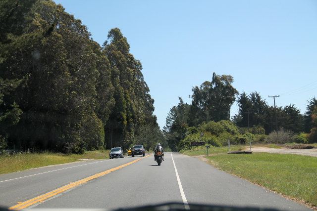 14 moottoripyörä edessä
